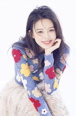孙怡笑容甜美化身花仙子