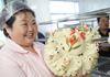 大妈做花饽饽一年卖千万 远销迪拜