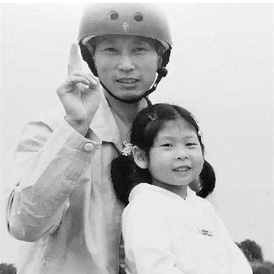 民警牺牲多年后女儿入同一警校:终于理解爸爸的选择