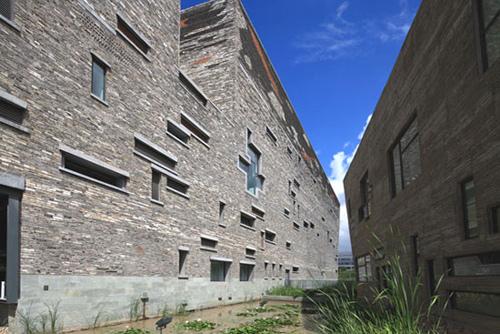 2012年普利茲克獎得主中國建筑設計師王澍極具爭議