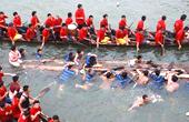 桂林两艘龙舟翻船致17死